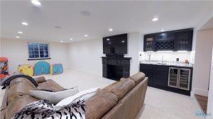 3922-w-bancroft-basement