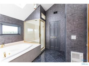 5700-libbey-master-bath
