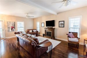 7136-elli-harbour-living-room