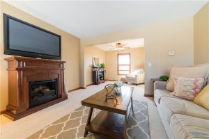 10387-brookside-living-room