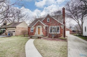 3019-meadowwood-front