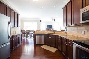 6430-jamesbrook-kitchen
