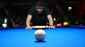 billiards-game-person-16074