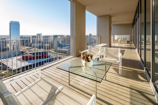 Kenneth Walters Hosts Agent Open House Worthy Of His One
