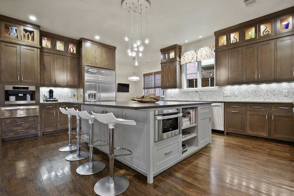 9 Kitchens That Aren T White Dpm Real Estate Blog