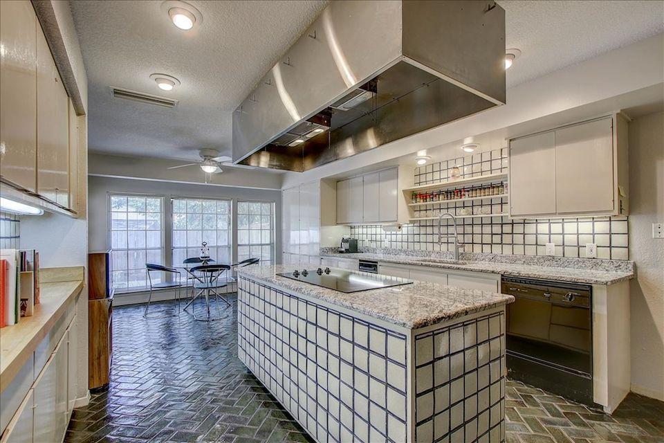 9-11-Kitchen.jpg