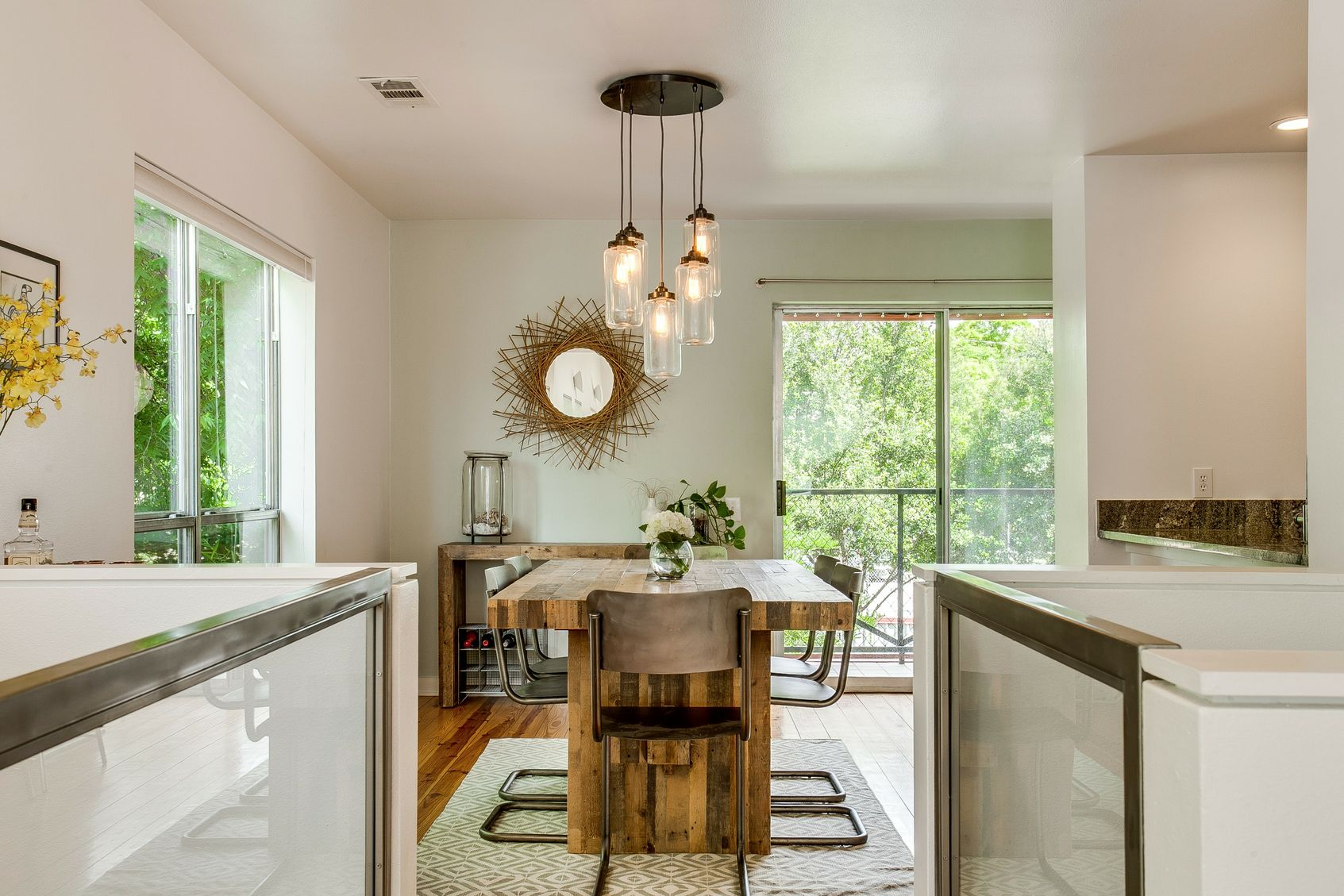 Tips for maximizing small spaces - Maximize small spaces property ...