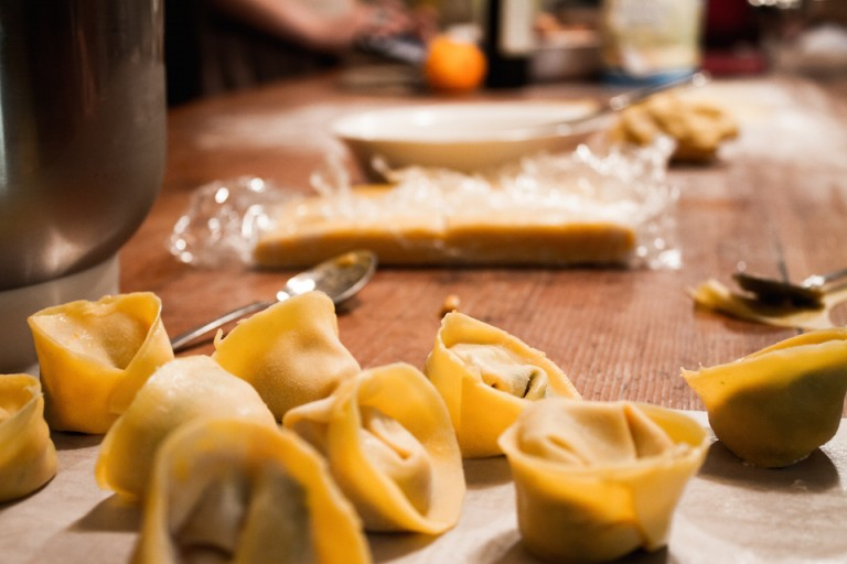 Tortellini homemade lesson on Tuscany