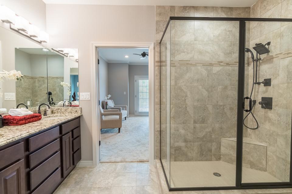 214 E Kaufman Master Bath 2