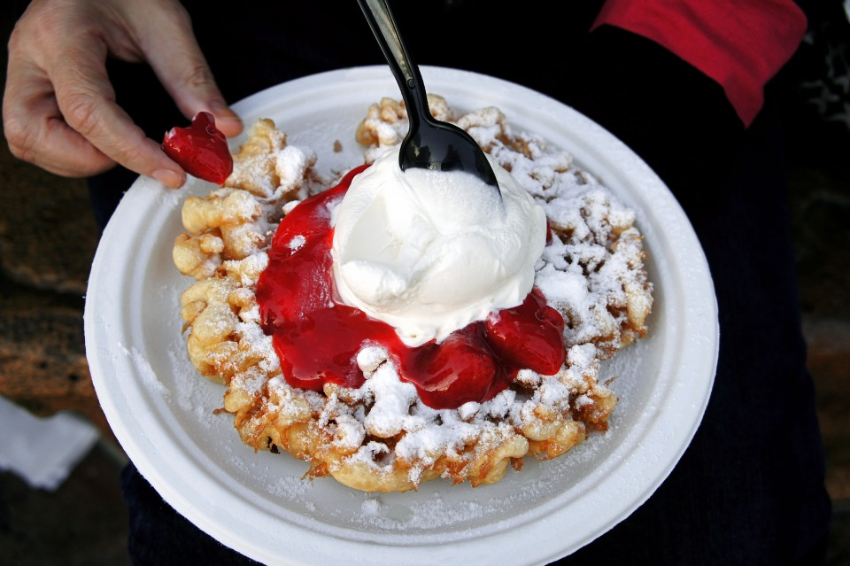 funnel cake strawberry sauce dessert