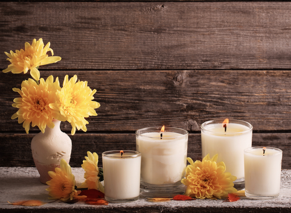 Autumn setting with candles
