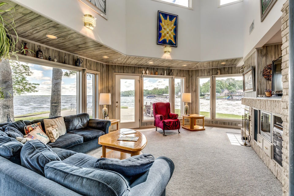 5_258 LAKEVIEW DRIVE 1