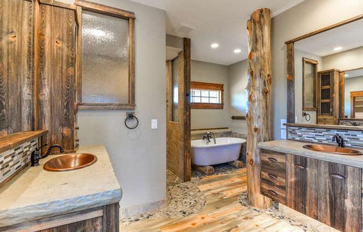 Northern Colorado Homes with Cozy Bathrooms