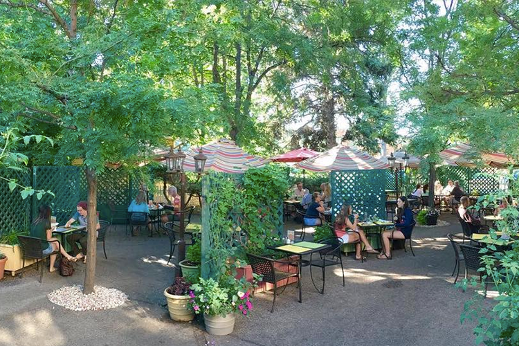 Top Outdoor Patios in Fort Collins | Rainbow Restaurant
