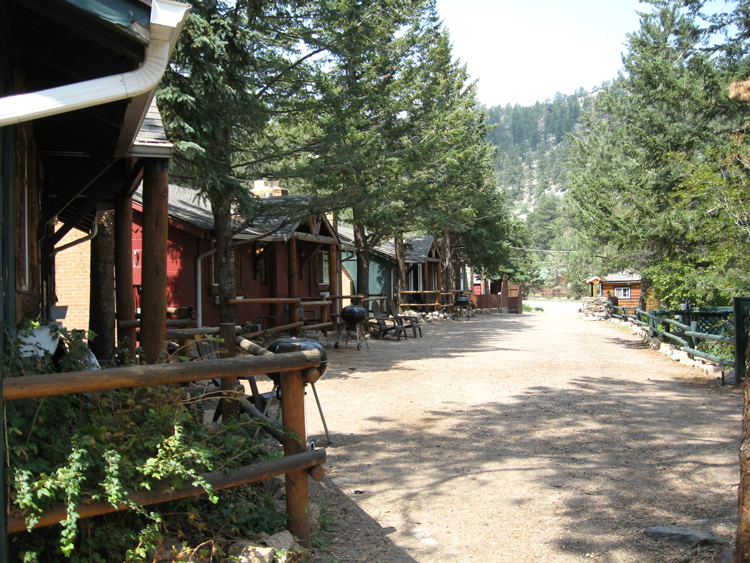 for cabins retreat in by park a page riverside home best estes cabin river