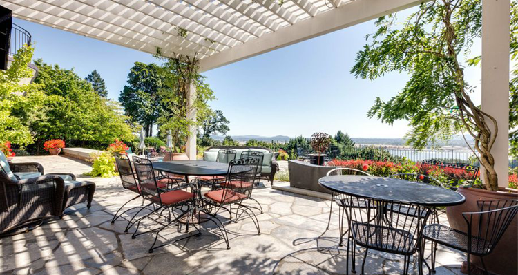 10 Southwest Washington + Portland Metro Homes For Sale With Exceptional River Views