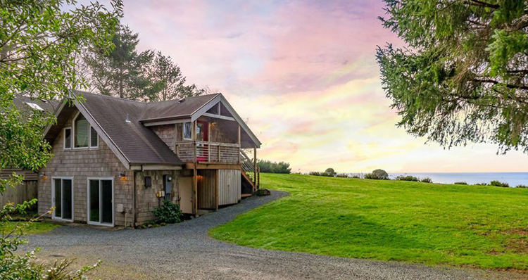 You Could Live in This 952-Square-Foot Home Nestled Along the Oregon Coast