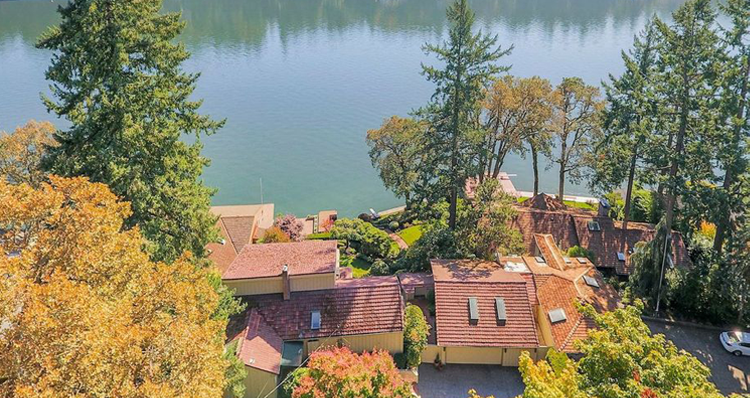 8 Stunning Waterfront Homes For Sale in Lake Oswego