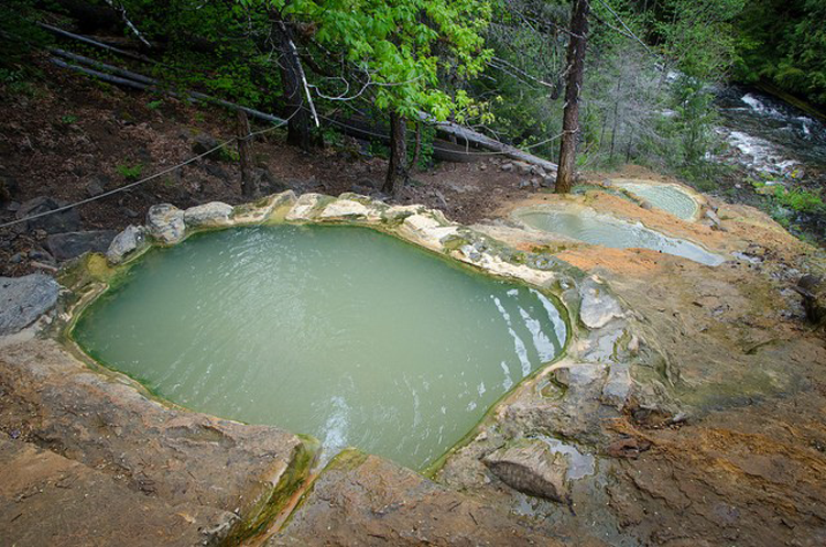 Umpqua Hot Springs Oregon