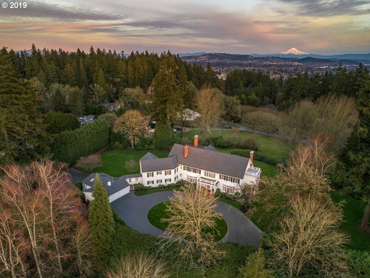 1405 Southwest Corbett Hill Circle, Portland, OR 97219