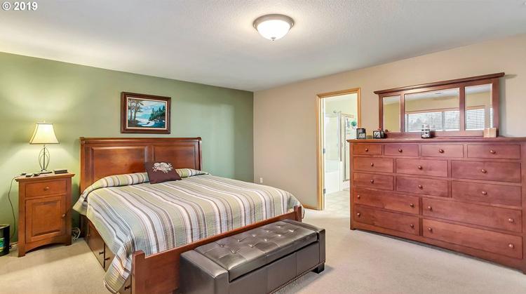 23882 Southwest Aspen Lakes Drive, Sherwood, OR 97140
