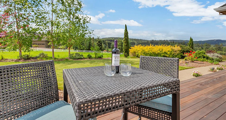 8 Homes for Sale in Oregon For the Wine Lover | Properties Near Willamette Valley