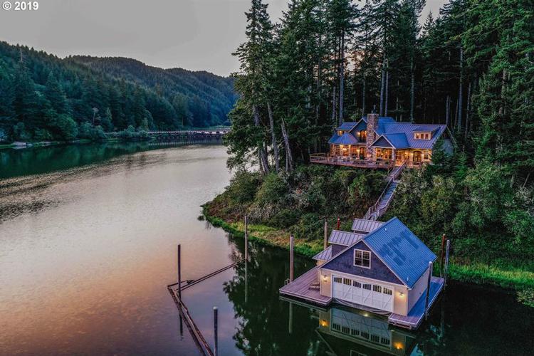1467 North Tenmile Lake, Lakeside