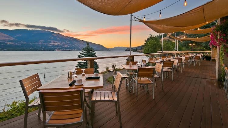 Riverside Restaurant Hood River