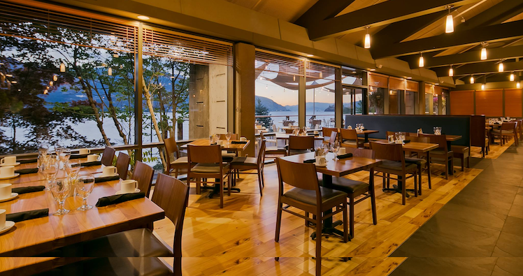 Restaurants + Breweries With a View in Hood River, Oregon