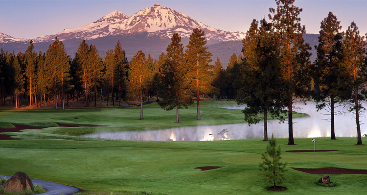 10 Exceptional Golf Courses in Central Oregon