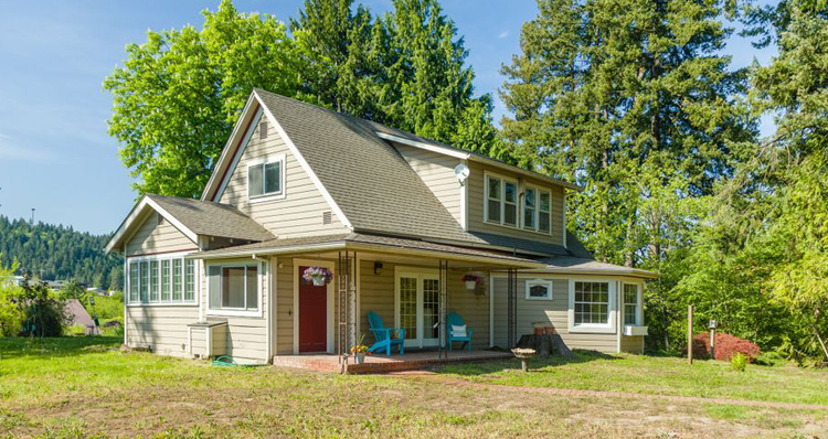 4 Incredible Homes for Sale in the Hood River Area