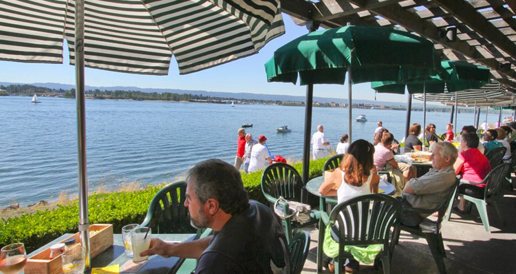 The 9 Best Restaurants in Vancouver, Washington With Outdoor Patios