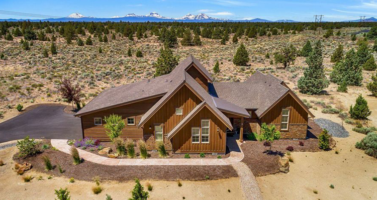 4 Impressive Homes for Sale in the Bend, Oregon Area