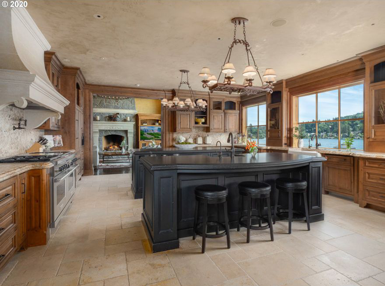 6 Stunning Dining Rooms Kitchens In Luxurious Lake Oswego Homes For Sale The Local Arrow Pacific Northwest Real Estate Blog
