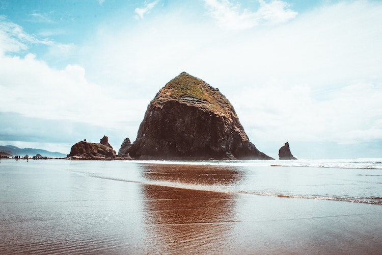 Fun Facts About Haystack Rock in Cannon Beach, Oregon