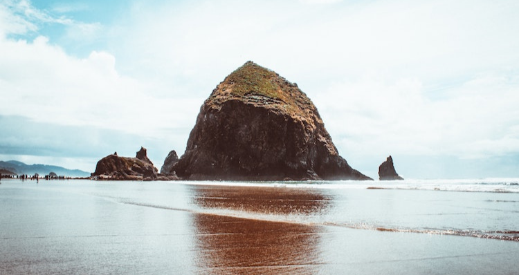 10 Fun Facts About Haystack Rock in Cannon Beach