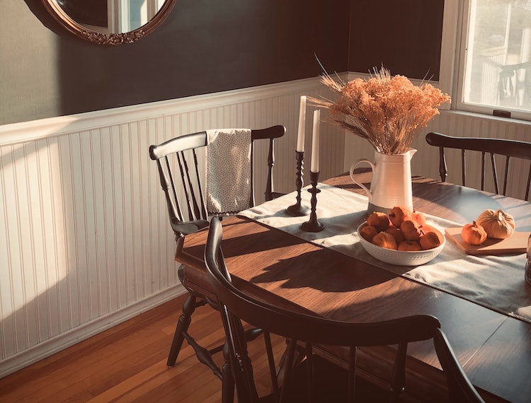 How to Incorporate Cottagecore Into Your Home