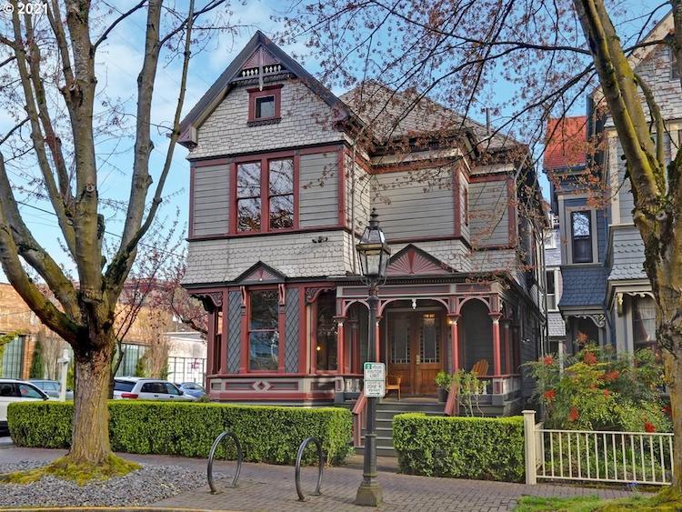1735 Northwest Irving Street, Portland