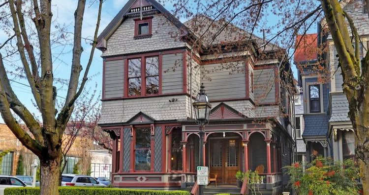 7 Beautiful Historic Homes for Sale in the Portland Area