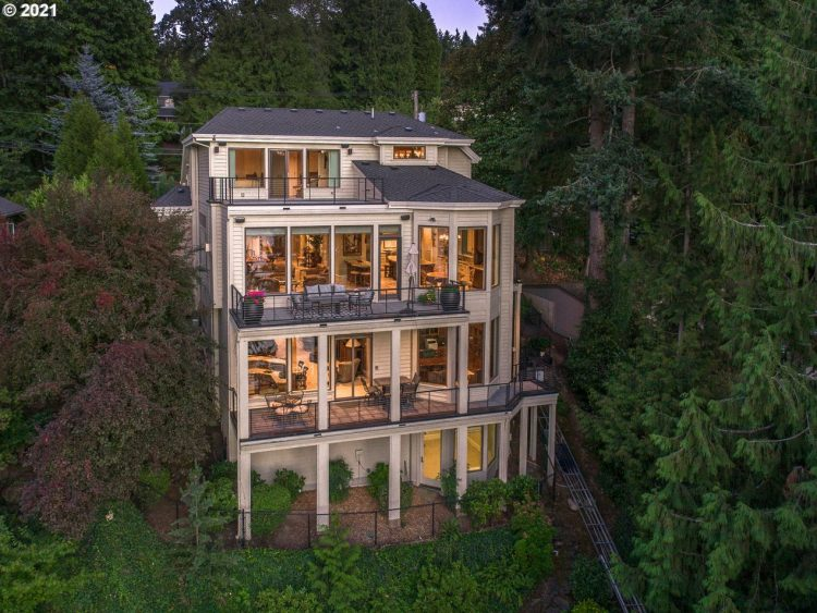 Homes for Sale in Lake Oswego, Oregon