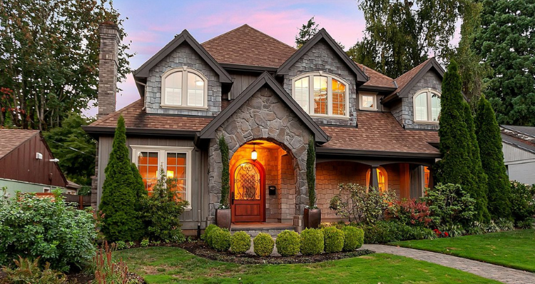 5 Incredible Properties Currently for Sale in the Lake Oswego Area