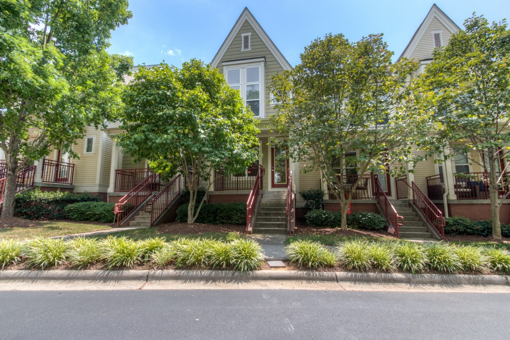 1023 S Sycamore Green-31