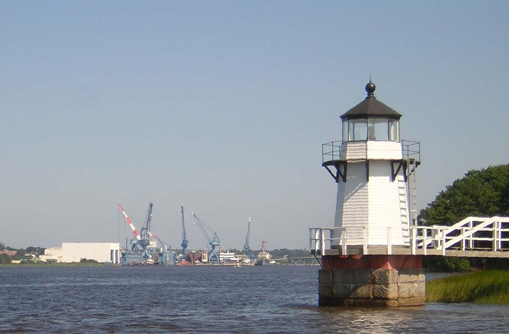 1024px-Doubling_Point_Light_with_Bath_Iron_Works