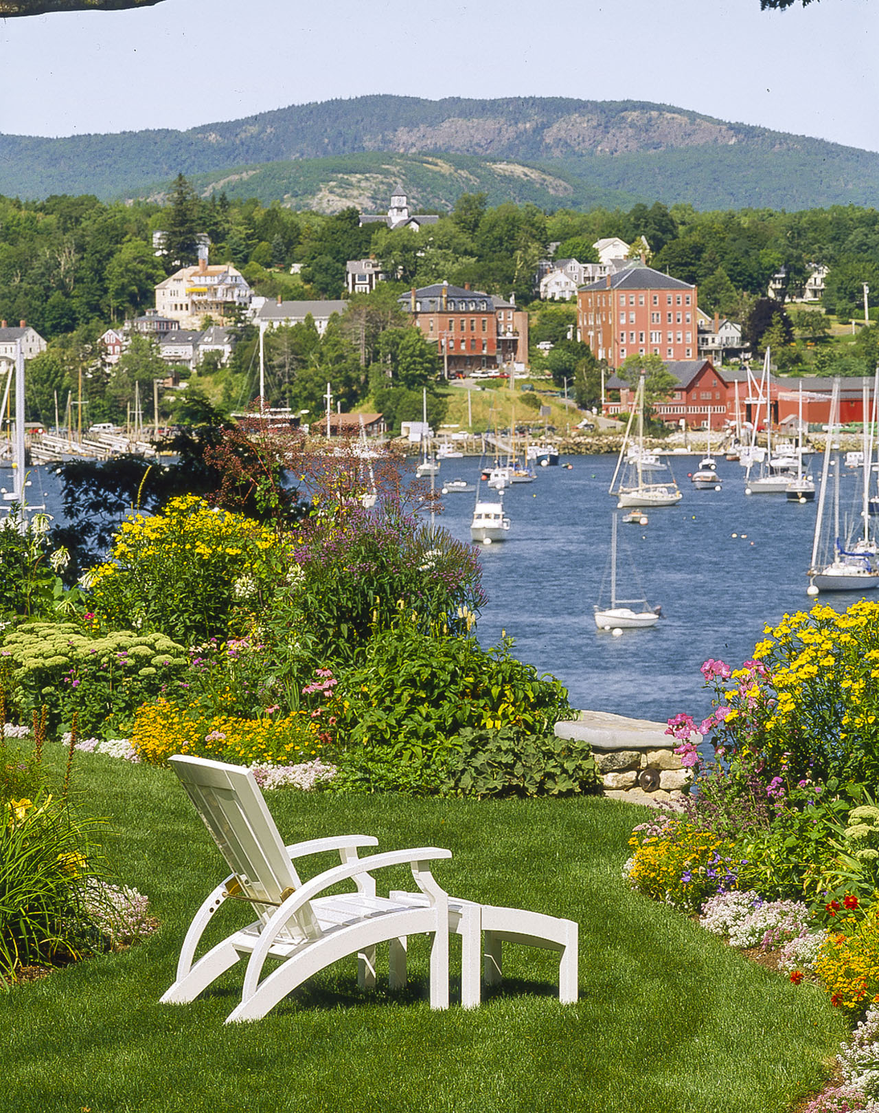 1 Sea Street, located in Rockport, Maine