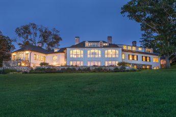 Meredith Farm in TopsfieldList price:$8,100.000