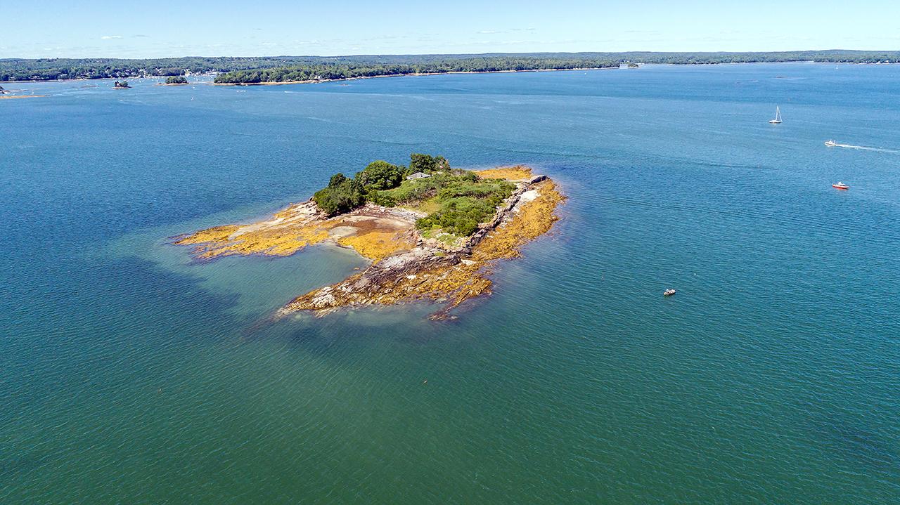 Maine island ME1496_1_CC