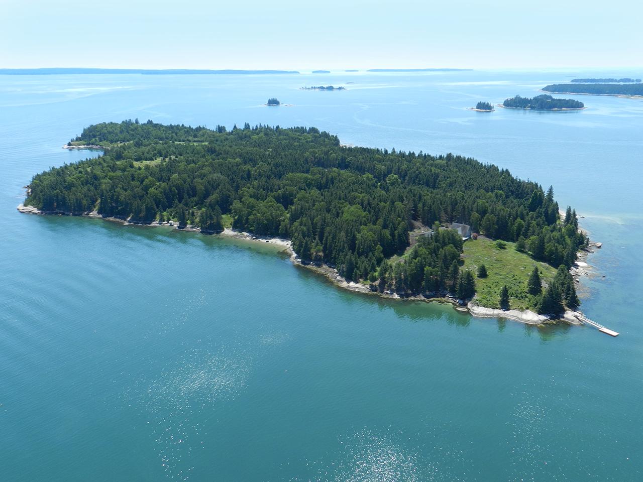 Maine Island. ME1173_1N