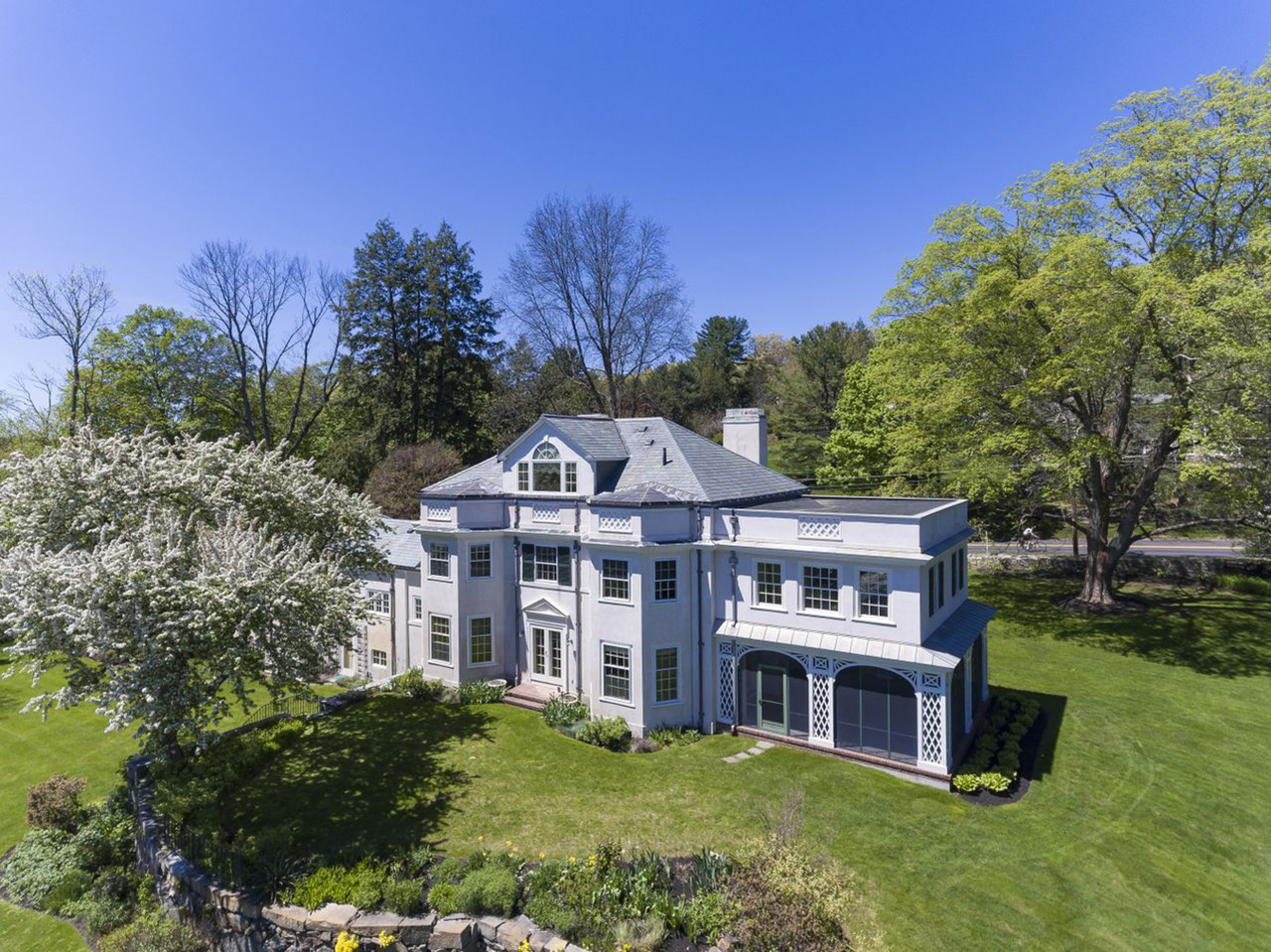 homes near private schools - MA2245