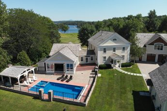Malletts Bay Club Residence Colchester | $1,695,000
