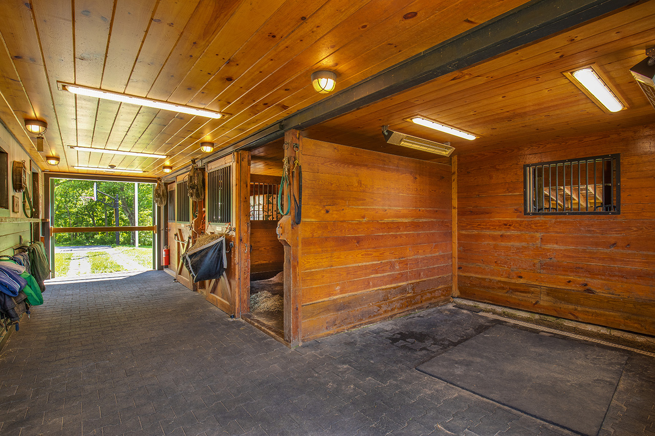 Equestrian Property MA2337_18N